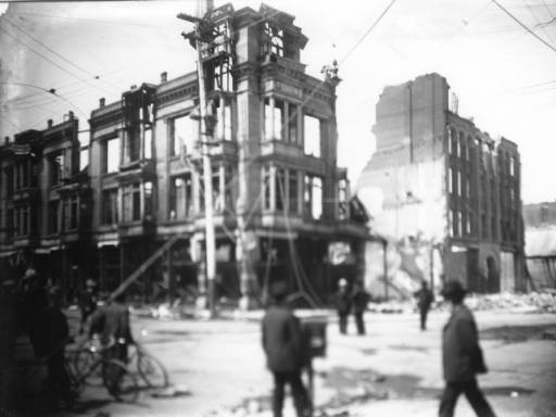 Damage to the Dougherty and Louise buildings on Second and San Fernando after the 1906 earthquake