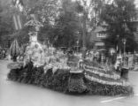 1929 Parade Float, Queen's float