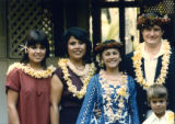 Group potrait of Vince and Patricia Whiting with family in Hawaii